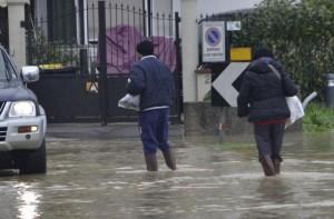 Acqua in strada a Castelnuovo