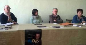 Il tavolo della presentazione