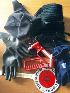 Parte degli oggetti recuperati dalla Polizia