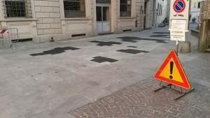 Prato. Iniziata la sostituzione delle pietre