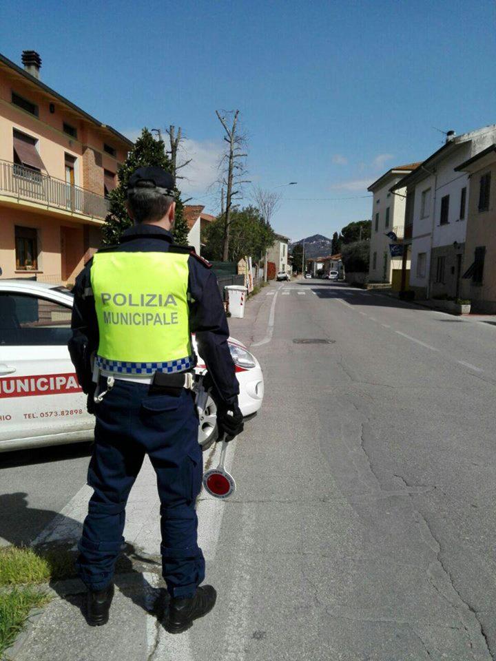 lamporecchio. LA POLIZIA MUNICIPALE INTENSIFICA I CONTROLLI SU STRADA
