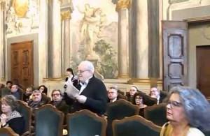 31 marzo. Edoardo Bianchini parla all'assemblea dell'OdG di Firenze