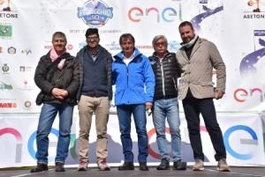 Nellafoto i rappresentanti Enel con Franco Giachini, presidente Sci Club Pinocchio, e Flavio Roda, presidente Federazione Italiana Sport Invernali.