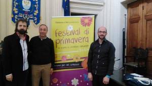 Alfio Dal Porto con il direttore Fornasier e il referente del coro Donati