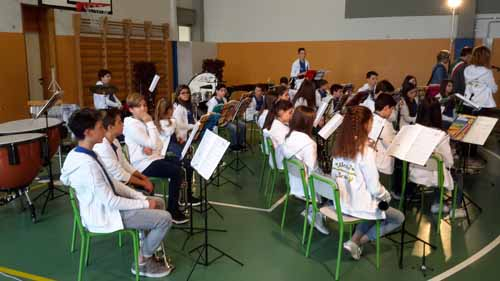 "quarrata. ""MUSICANDO BAND"" ALL'ISTITUTO NANNINI"