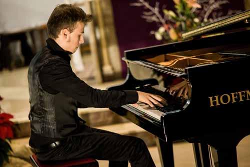 """DROVANDI, IL 20ENNE VINCITORE DEL CONCORSO PIANISTICO """"CLARA SCHUMANN"""""""