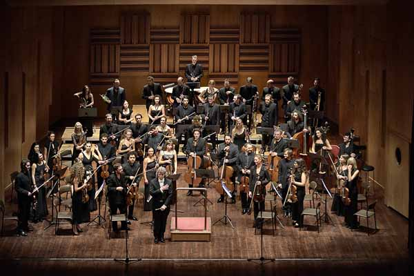 stagione sinfonica promusica. PROTAGONISTA LA VIOLINISTA BAIBA SKRIDE