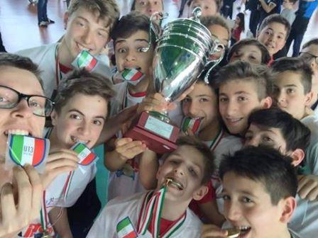 """under 13. I RAGAZZI DEL """"VOLLEY PRATO"""" CAMPIONI D'ITALIA"""