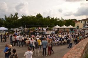 La piazza della chiesa ieri [foto Carlo Gori]