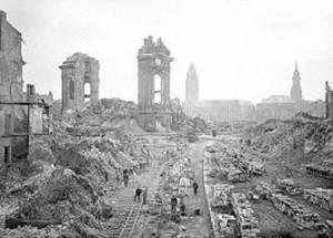 Dresda rasa al suolo nel 1945