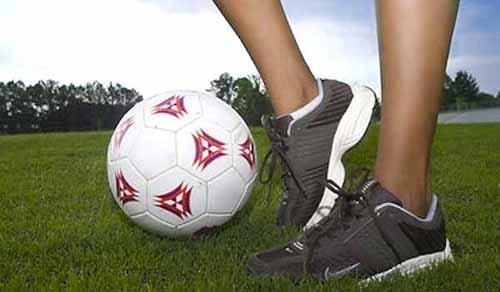 calcio donne. CF PISTOIESE 2016, L'ARANCIO A SUON DI… COLPI!