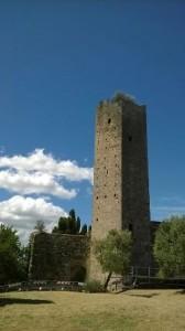 Interdetto l'accesso all'area sottostante la torre