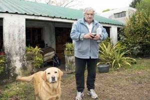 Socialismo. Mujica e il suo cane