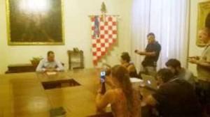 Conferenza stampa. 1