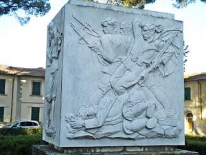 Poggio, il monumento di piazza XX Settembre