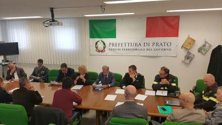 """prato. LOTTA ALLE """"IMPRESE DI CARTA"""", VERTICE IN PREFETTURA"""