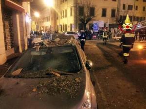 Pistoia. Crollo del cornicione in Piazza San Francesco. 1