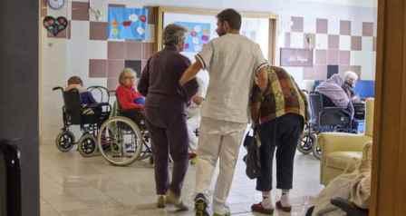 alzheimer. SCARSA LA CONSIDERAZIONE PER FAMILIARI E MALATI