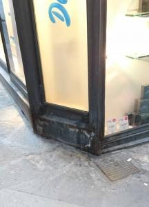 Angolo negozio Douglas [foto Andrea Sabatini]