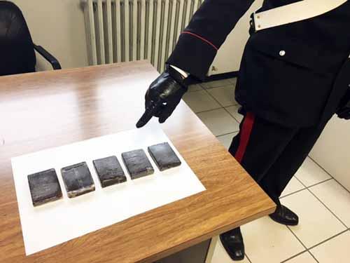 carabinieri. DENUNCE, ARRESTI E SEQUESTRO DI HASHISH