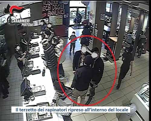 carabinieri. TRE ARRESTI PER RAPINA