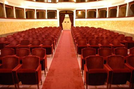 teatro pacini. GRAN GALÀ LIRICO, CANZONE NAPOLETANA E SWING