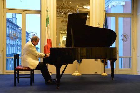 buggiano. RECITAL DEL PIANISTA ALEXANDRE HINTCHEV
