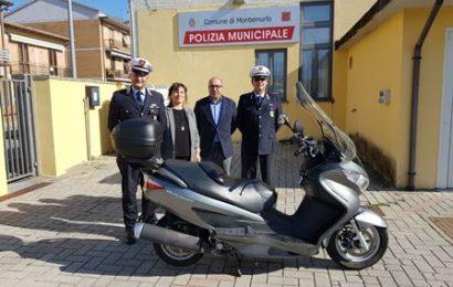 IL ROTARY CLUB PRATO DONA UNO SCOOTER ALLA POLIZIA MUNICIPALE