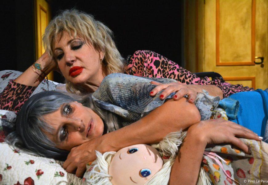 "teatro manzoni. ISABELLA FERRARI E IAIA FORTE PROTAGONISTE DI ""SISTERS"""