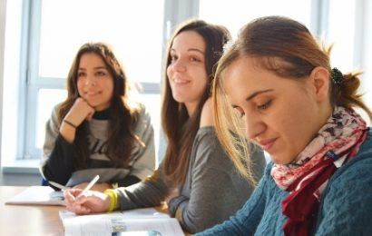 accoglienza migranti. 60 BORSE DI STUDIO PER GIOVANI NEODIPLOMATI TOSCANI