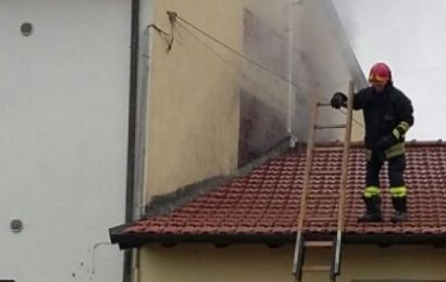 BOTTEGONE, INCENDIO IN UNA SOFFITTA