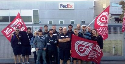 fedex e tnt. IL SEGRETARIO DI SINISTRA ITALIANA AL PRESIDIO DEI CORRIERI IN LOTTA