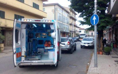 INCIDENTE STRADALE, COINVOLTA CICLISTA PRIVA DI CASCO