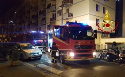vigili del fuoco. INCENDIO IN VIA MILANO