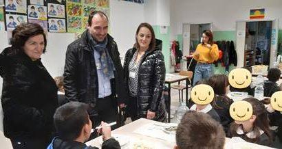 """montemurlo. IL SINDACO E L'ASSESSORE A PRANZO ALLA SCUOLA PRIMARIA """"ANNA FRANK"""" DI OSTE"""