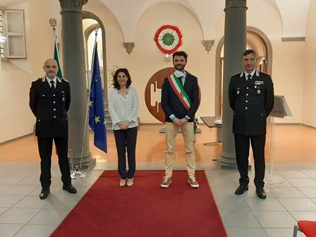 """CONFERITE IN PREFETTURA DUE ONORIFICENZE """"ORDINE AL MERITO DELLA REPUBBLICA ITALIANA"""""""