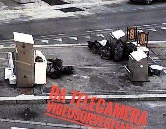 CONTINUANO I CONTROLLI DELLA POLIZIA MUNICIPALE SULLA ISOLA ECOLOGICA DI PIAZZA MERCATALE