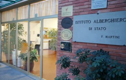 coronavirus. CLASSE IN QUARANTENA ALL'ALBERGHIERO MARTINI DI MONTECATINI TERME