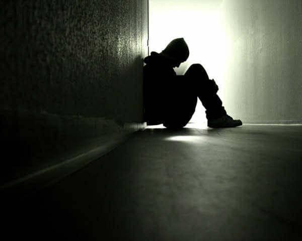 DISAGIO MENTALE E SUICIDI GIOVANILI IN AUMENTO