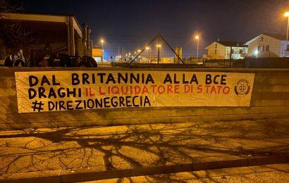 """governo. STRISCIONI DI CASAPOUND CONTRO DRAGHI IN TUTTA ITALIA: """"LIQUIDATORE DI STATO"""""""