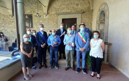CONSEGNATE LE ONORIFICENZE DELL'ORDINE AL MERITO DELLA REPUBBLICA ITALIANA E DUE MEDAGLIE D'ONORE